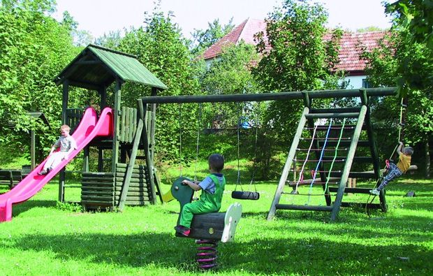 kurzurlaub-nebersdorf-spielplatz