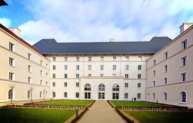 freizeitparks-uebernachtung-paris-disney-hotel