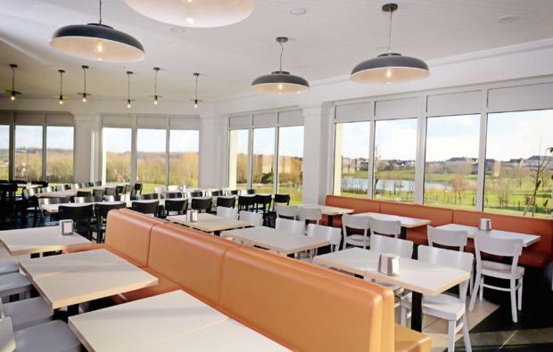 freizeitparks-uebernachtung-paris-disney-restaurant