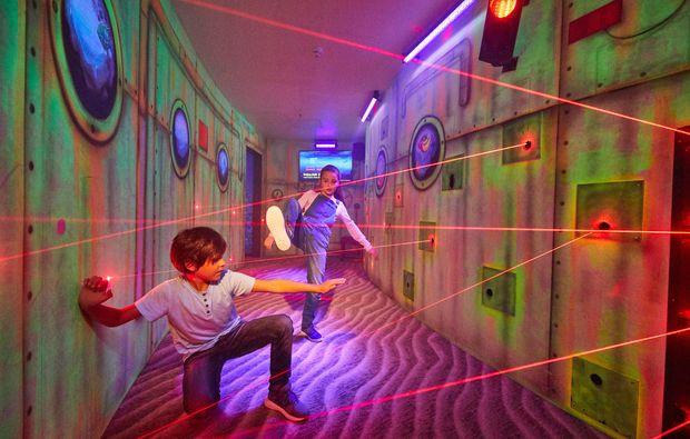 aussergewoehnlich-uebernachten-soltau-laser