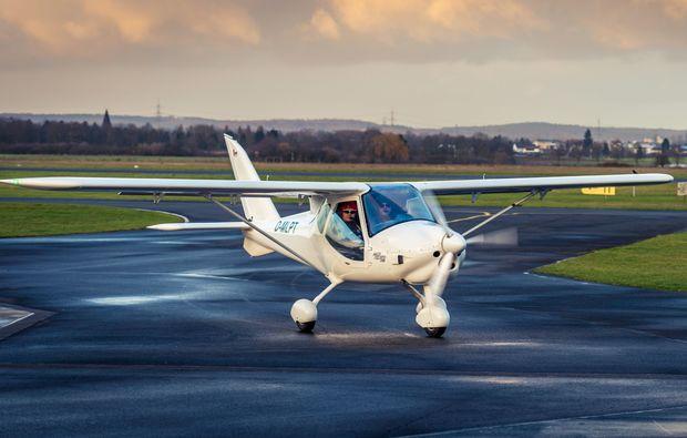 flugzeug-rundflug-langenhagen-landebahn