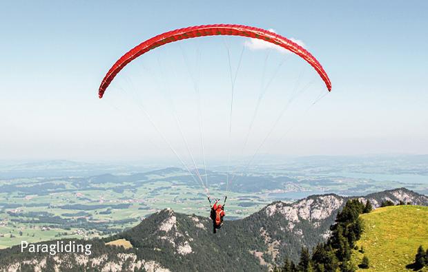Lebenstraeume_Paragliding_620x395