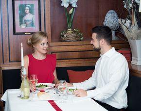 Kultur & Dinner - Sissi Dinner - München Sissi-Dinner - 3-Gänge-Menü, inkl. Aperitifscocktail