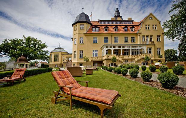 schlosshotel-wendorf-aussenansicht