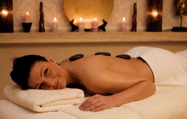 hot-stone-massage-gronau-entspannung