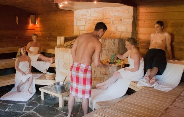 hot-stone-massage-gronau-sauna