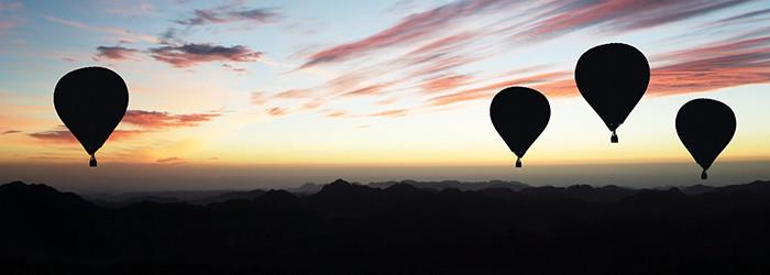 Ballonfahrt bei Nacht