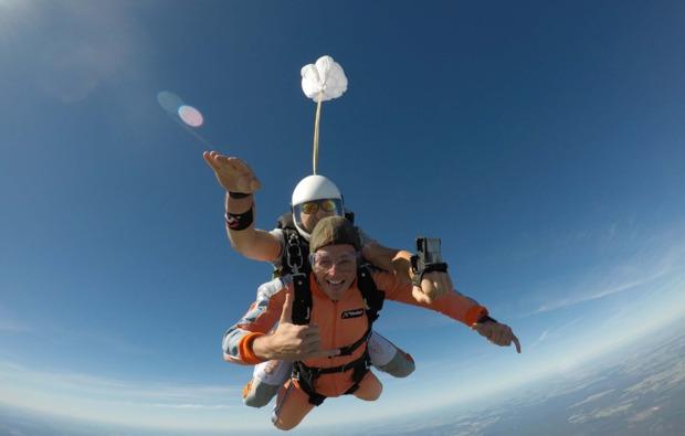 fallschirmspringen-kurs-gransee-erlebnis