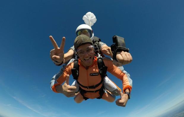 fallschirmspringen-kurs-gransee-freude