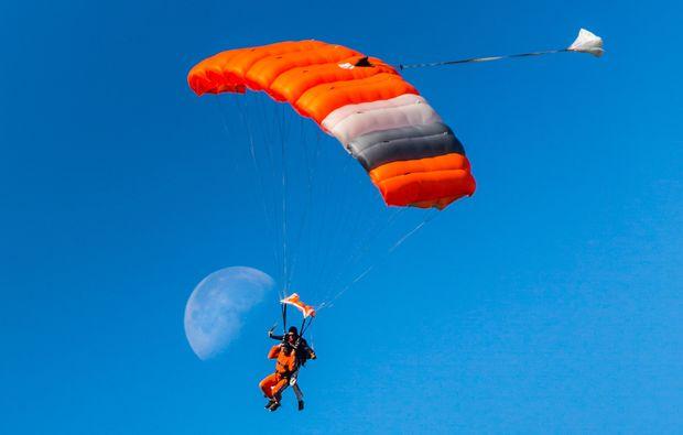 gransee-fallschirmspringen-kurs
