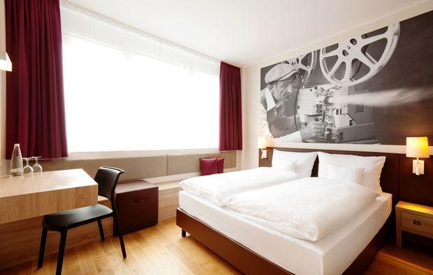boutique designhotels f r zwei in m nchen als geschenk mydays. Black Bedroom Furniture Sets. Home Design Ideas
