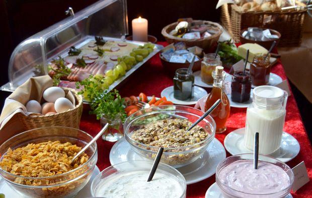zauberhafte-unterkuenfte-freudenberg-buffet