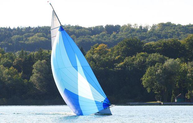 segeltoern-starnberg-segelboot