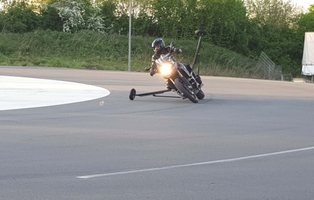 motorradtraining-schraeglage-neukirchen-vorm-wald-fahrspass