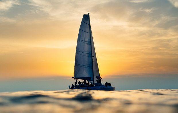 mondscheinsegeln-rostock-romantischer-segeltoern