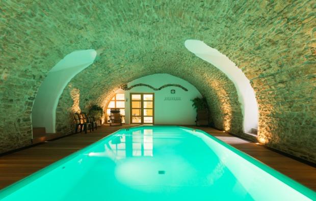 schlosshotel-trebotov-pool