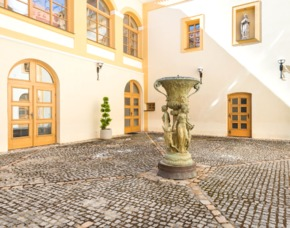 Overnight stay in the Czech Heritage Castle for 2 - 2 nights - Trebotov Schloss TVRZ TREBOTOV - inkl. Frühstück
