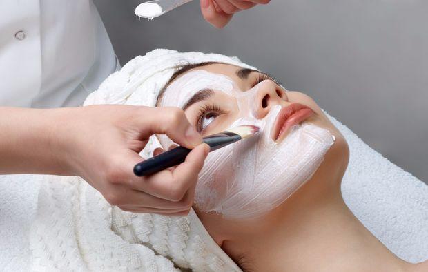 wellnesstag-fuer-zwei-ehingen-maske