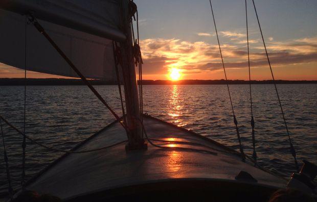 mondscheinsegeln-romantischer-segeltoern-ammersee