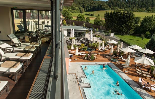 wellness-wochenende-deluxe-pool-friedewald