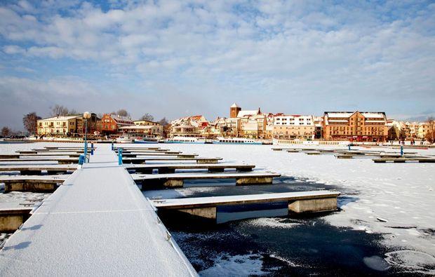 romantische-bootstour-waren-mueritz-hafen-winter
