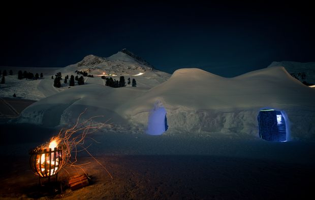 uebernachtung-im-iglu-kuehtai-feuerstelle
