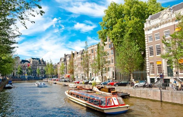 erlebnisreise-amsterdam-grachtenfahrt-flussfahrt
