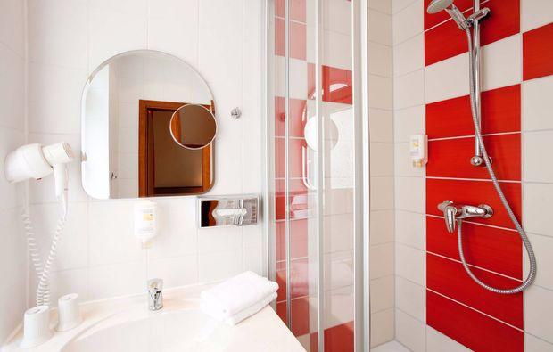 kurzurlaub-am-meer-rostock-hotelzimmer