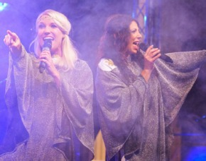 ABBA Royal – The Tribute Dinnershow - 79 Euro (84€) - Spielbank Hohensyburg - Dortmund (Hohensyburg) Spielbank Hohensyburg - 4-Gänge-Menü