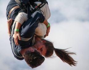 Tandem-Bungee Jumping - 100 Meter von einem 100 Meter hohen Kran an einer Feststation