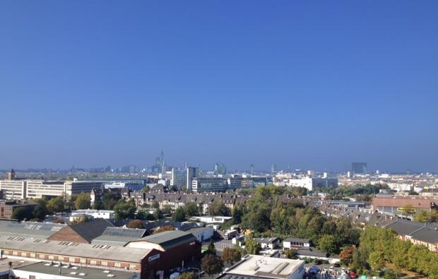 tandem-bungee-jumping-fuer-zwei-duesseldorf-aussicht