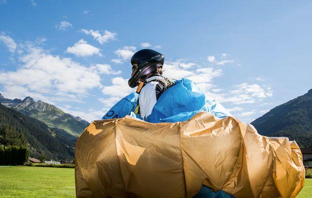 gleitschirm-schnupperkurs-bach-am-lechtal-schirm