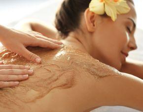 After Work Relaxing - Kloschwitz Ganzkörperpeeling, Rückenmassage, Ganzkörper-Feuchtigkeitspackung