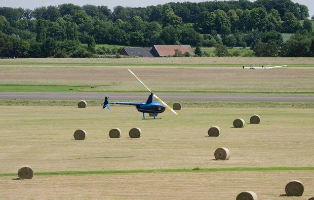 rundflug-hubschrauber-huenxe-start