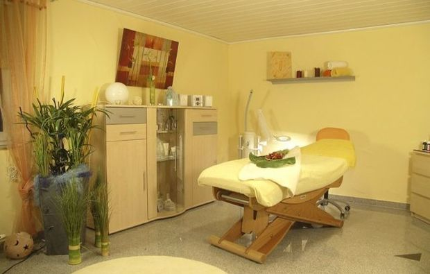 aromaoelmassage-ilsfeld-massageliege