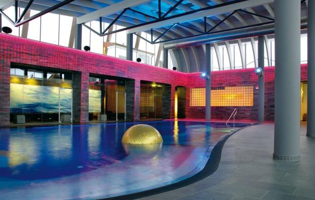 aktivurlaub-leogang-schwimmbad
