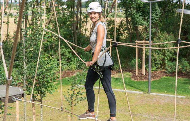Klettergurt Für Hochseilgarten : Hochseilgarten mit flying fox in münchen schenken mydays
