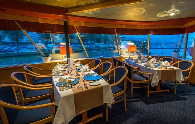 mini-kreuzfahrt-fuer-zwei-passau-restaurant