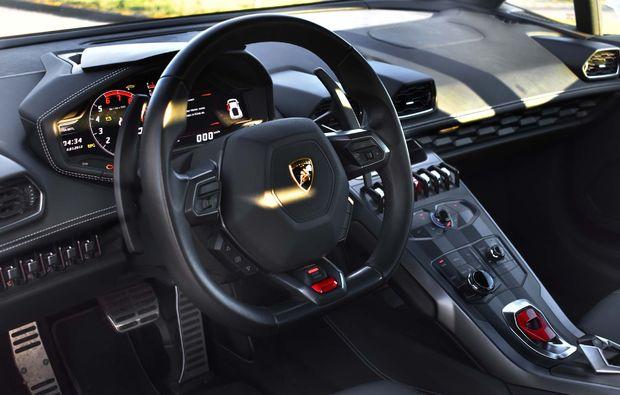 lamborghini-fahren-berlin-cockpit