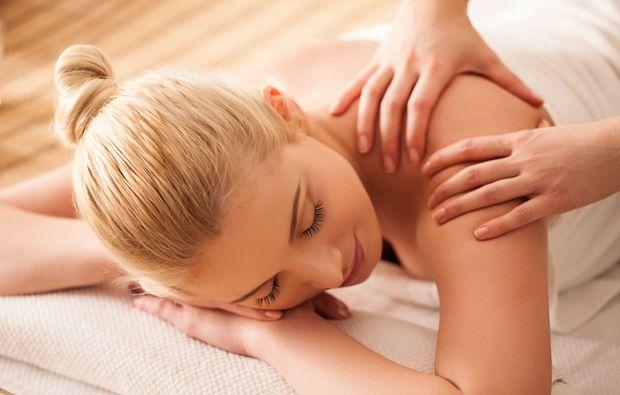 mann sucht mann leipzig lingam massage kassel