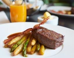 Kleine Köstlichkeiten für Zwei - Apelern Rib-Eye-Steak mit Backkartoffeln, inkl. 1 Glas Wein
