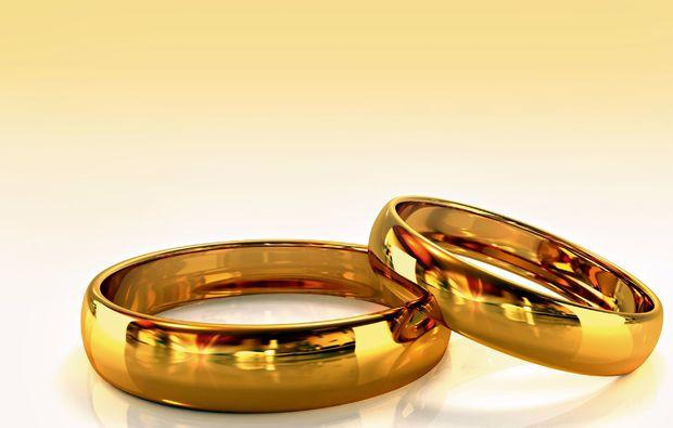 trauringe-selber-schmieden-fuer-zwei-augsburg-gold