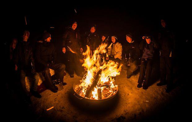 schneeschuh-wanderung-kuehtai-lagerfeuer