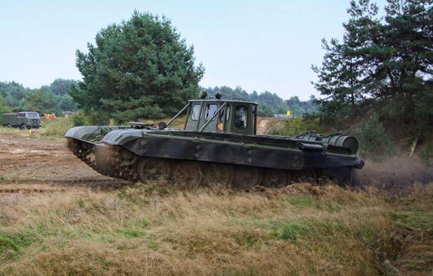 panzer-fahren-mahlwinkel-kettenfahrzeug