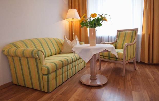 romantikwochenende-steyr-couch