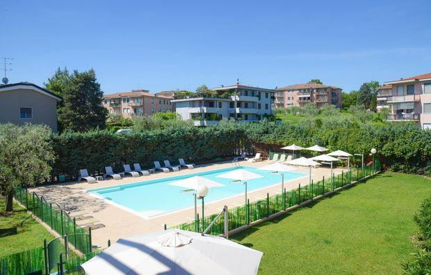 kurzurlaub-desenzano-del-garda-pool1510588525