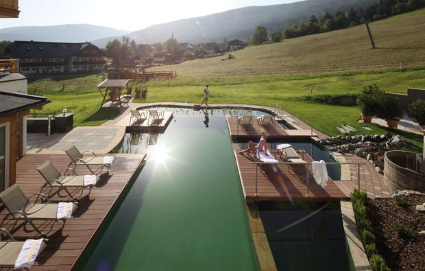 wellnesshotels-sankt-margarethen-im-lungau-pool