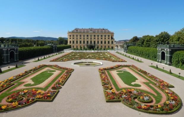 mini-kreuzfahrt-fuer-zwei-passau-wien-schoenbrunn