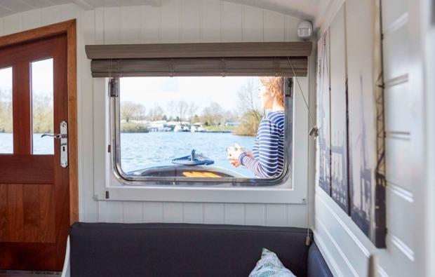 hausboot-uebernachtung-hamburg-bg5