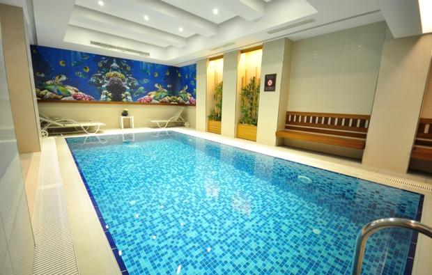 erlebnisreisen-istanbul-pool
